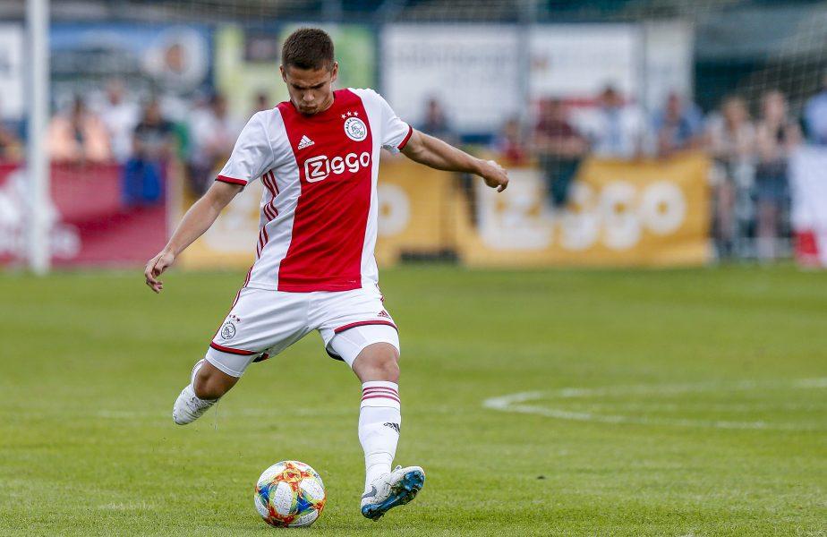Răzvan Marin va pleca de la Ajax în vară. Anunțul presei din Olanda