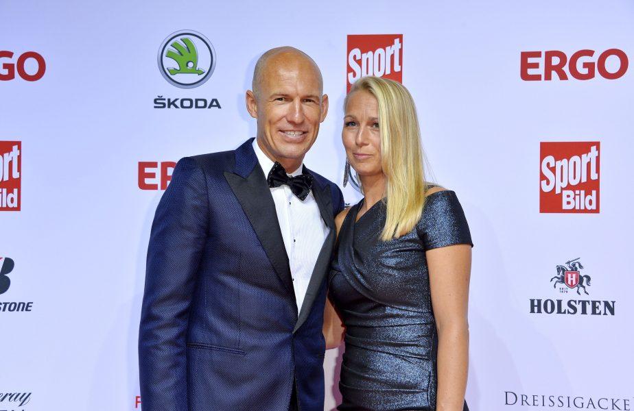"""Arjen Robben a dezvăluit cum s-a simțit soția sa în timp ce avea coronavirus: """"Nu putea respira cum trebuie"""""""