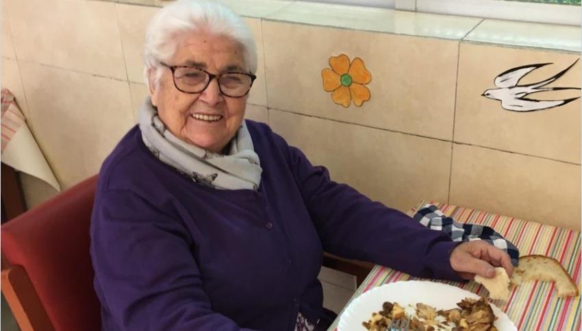"""Străbunica de 95 de ani a lui Cesc Fabregas a scăpat de coronavirus! """"E o supereroină"""""""