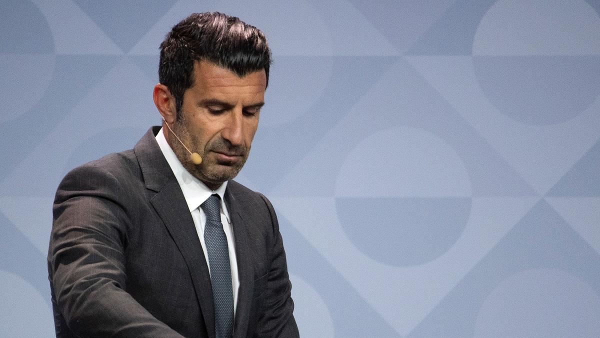 Luis Figo, în timpul unei trageri la sorți