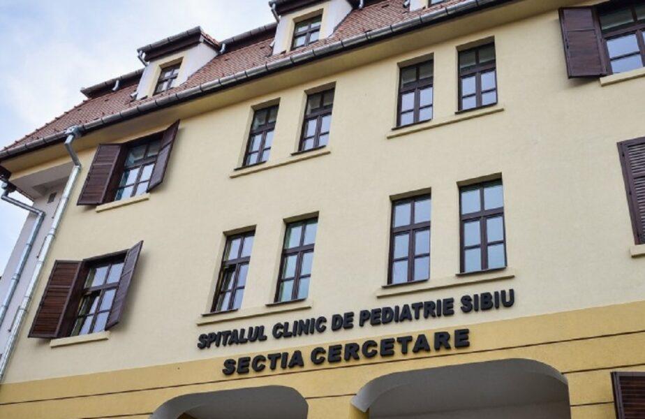 """Un bebeluș de 17 zile s-a vindecat de coronavirus, la Sibiu! """"Au sunat şi în alte părţi, dar au fost refuzaţi"""""""
