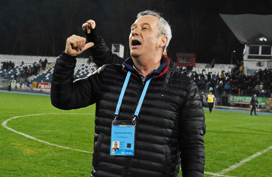 """Mircea Rednic, savuros la conferința de presă. Ce le-a interzis jucătorilor. """"Să-și dea cu miere!"""" :)"""
