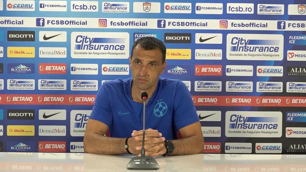 Bogdan Vintilă, în timpul conferinței de presă