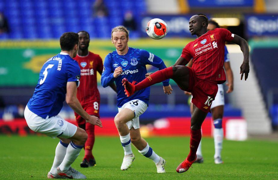 Englezilor le-a fost dor de fotbal! Everton-Liverpool, cel mai vizionat meci din istorie în Marea Britanie