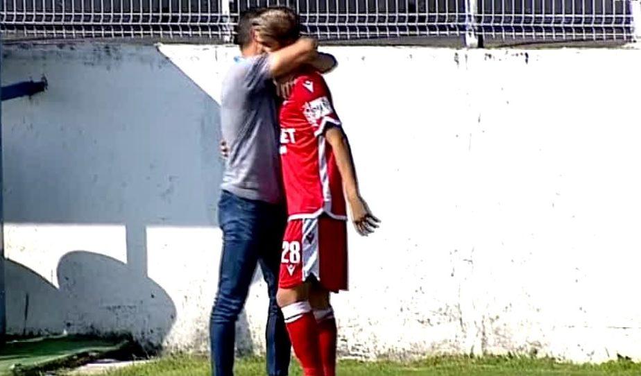 Cel mai amar cadou! Borcea, puştiul lui Dinamo care mâine împlineşte 18 ani, umilinţă totală la debut. A fost înlocuit după numai un minut