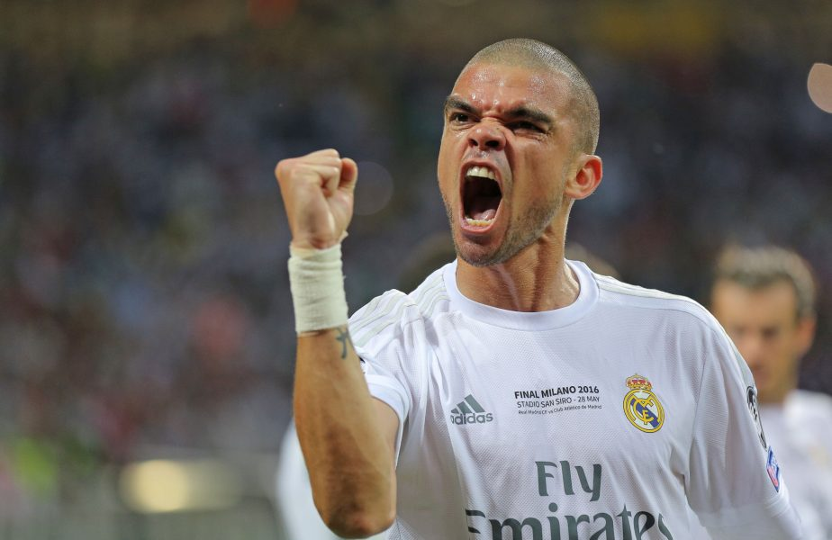"""Pepe la Real Madrid: """"Cannavaro, acoperă-mă!"""" """"Ce să-ți fac??? Aici fiecare e pe barba lui, tată!"""""""