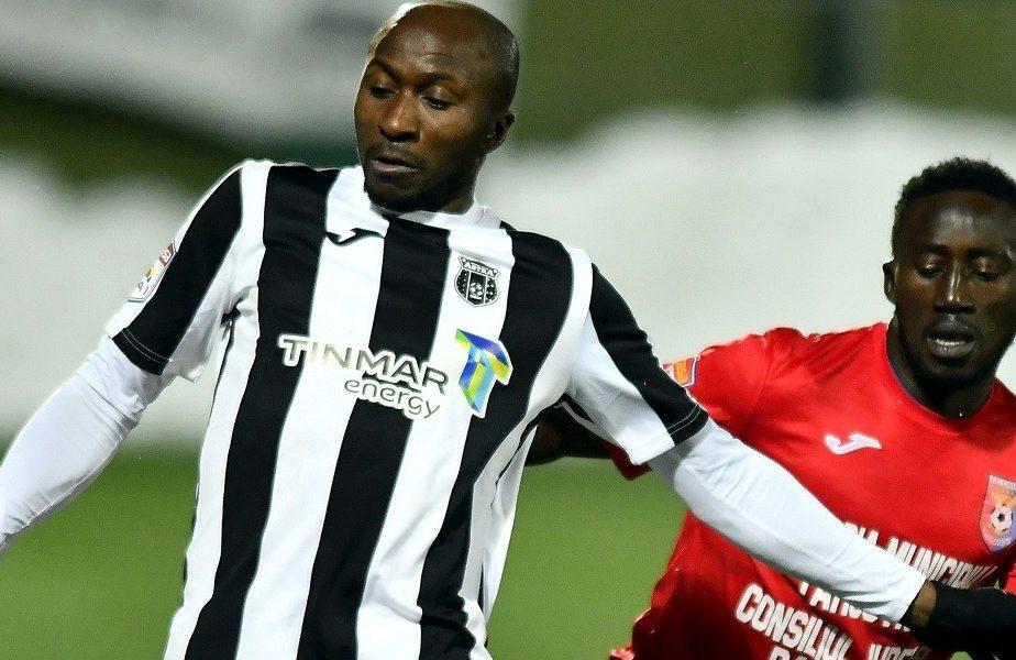 Nigerianul Fatai visează să dea goluri pentru naționala României