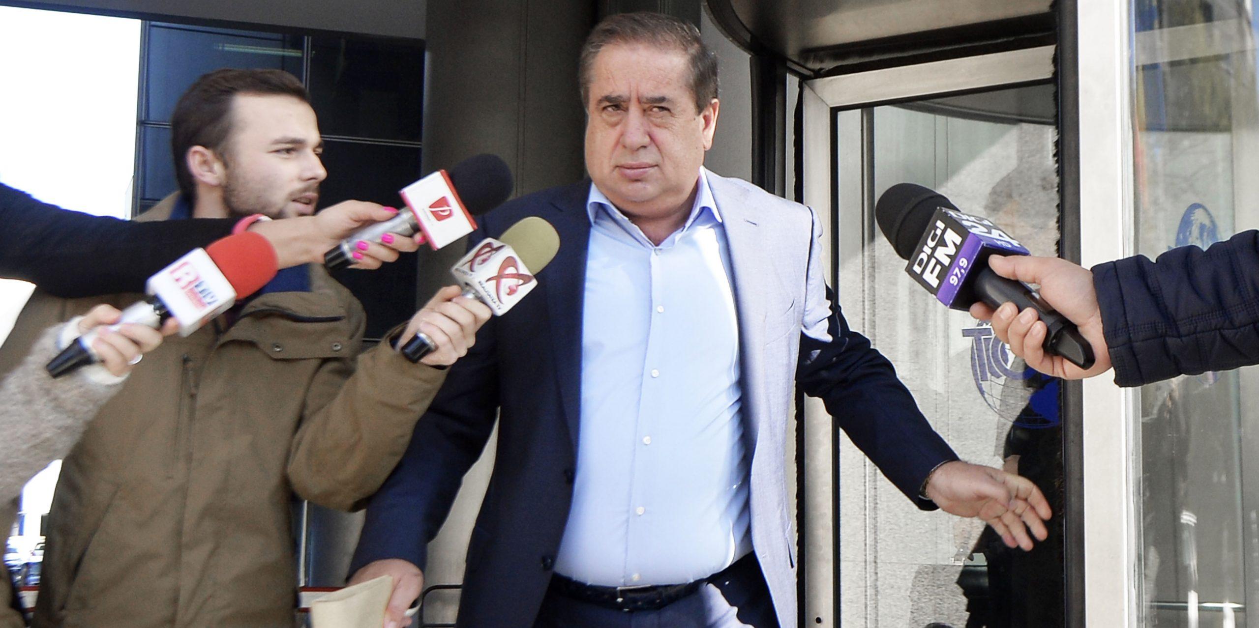 Ioan Niculae, pe scările Tribunalului