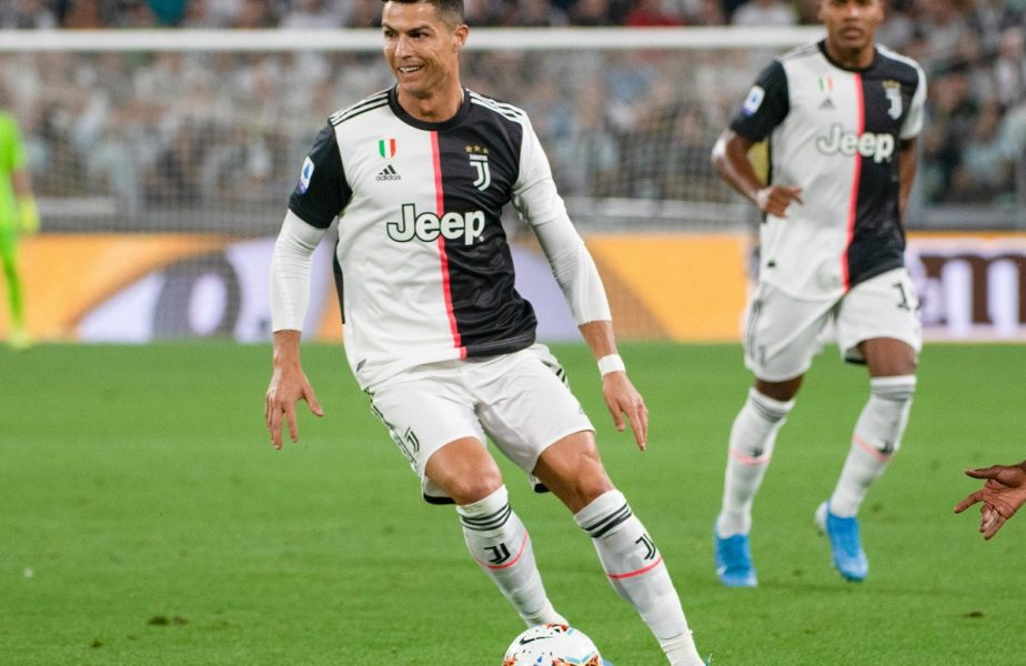 Incredibilul lovește fotbalul! Ce NU vor avea voie jucătorii să facă, pe timp de pandemie – vedeți la 19:55, la știrile AntenaSport