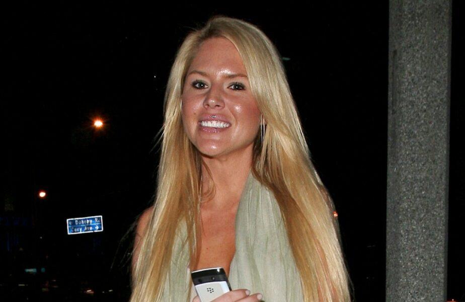 Una dintre cele mai frumoase femei din lume s-a sinucis! Motivul pentru care un fost iepuraș Playboy a făcut acest gest