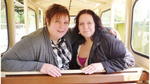 Premoniția incredibilă a celor două surori gemene, care au murit la 3 zile distanță din cauza coronavirusului