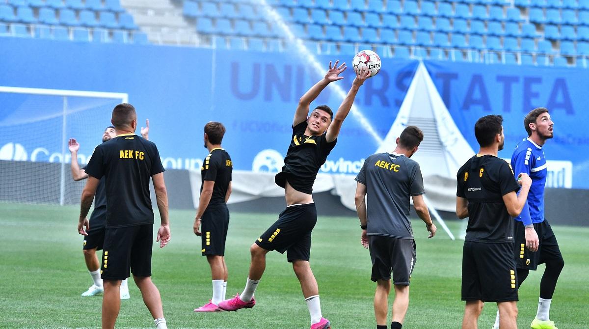 Jucătorii Craiovei se antrenează
