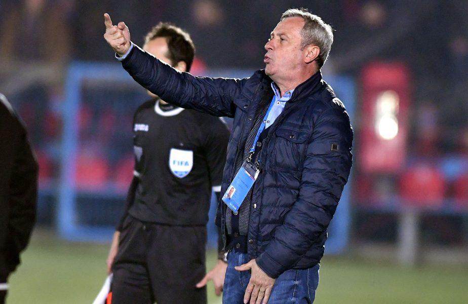 """Mircea Rednic a răbufnit la reunirea echipei: """"O să ajungem să facem prostituție în fotbal"""""""