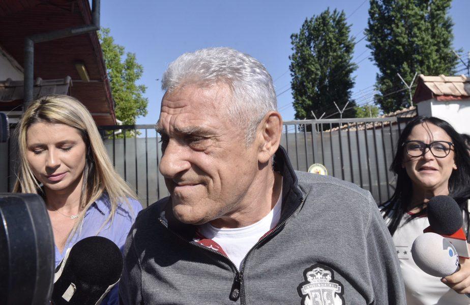 """Ioan Becali îi face praf pe spaniolii care au vrut să cumpere Dinamo: """"Trepăduşi. E un puști care venea pe aici și bătea discotecile"""""""