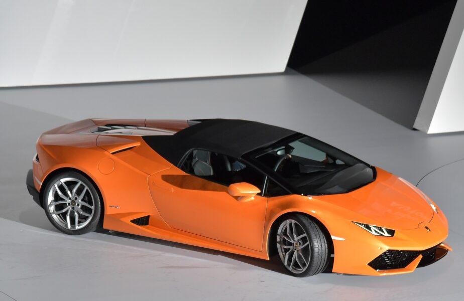 Milionarul care și-a făcut praf mașina! Conducea un Lamborghini în valoare de 224.000 de euro. Care este starea lui