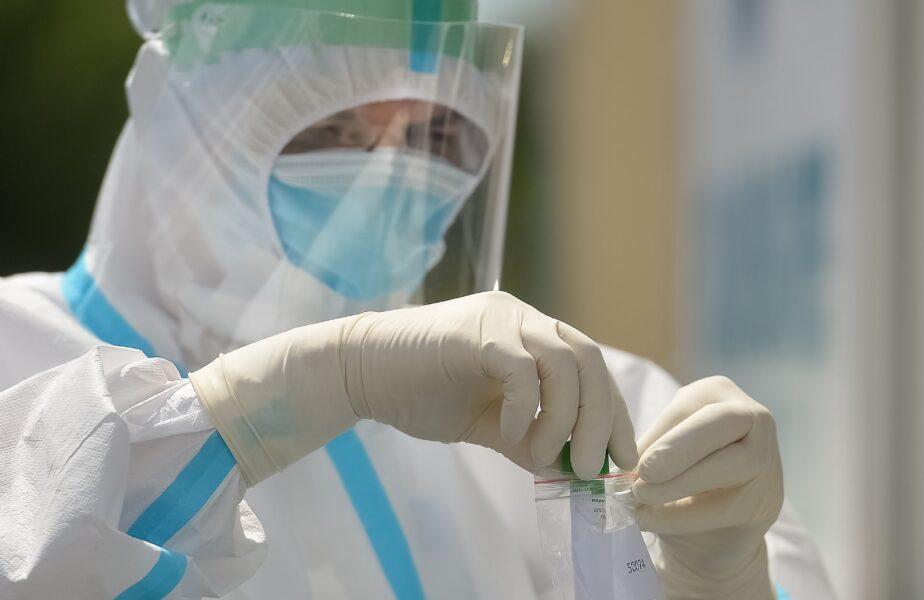 Boala care îi apără pe români de coronavirus! Explicaţia dată de medici
