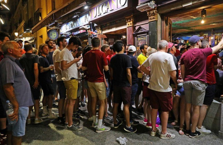 Şase jucători au fugit din cantonament direct la băut. Au încălcat distanţarea socială, iar măsurile luate de autorităţi au fost drastice!