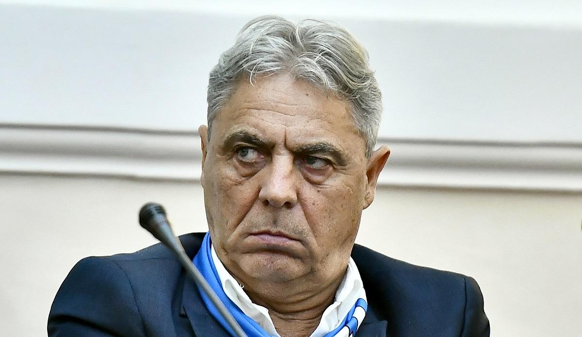 Sorin Cârţu, în timpul unei conferinţe de presă