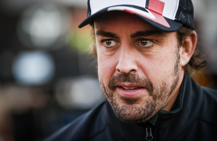 Motivul incredibil pentru care o cursă virtuală a fost oprită. Reacția lui Fernando Alonso face toți banii
