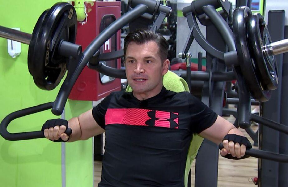 """""""Arnold"""" Stroe rupe fiarele la sală! Imagini exclusive cu ministrul plin de muşchi, azi, de la 19.55, la ştirile AntenaSport!"""