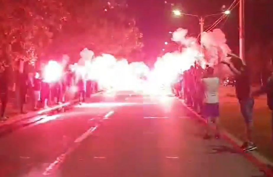 VIDEO | Atmosferă incendiară la Craiova! Cum au fost așteptați jucătorii lui Bergodi, după victoria cu Botoșani