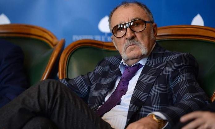 """""""Dacă are nevoie de 10 milioane de euro, îi voi da imediat!"""" Ce face vedeta la un an de la gestul uriaş al lui Ion Ţiriac"""