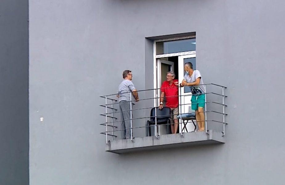 Imaginea serii la Dinamo – FCSB. Au fentat pandemia chiar din spital. Cum văd fanii derby-ul