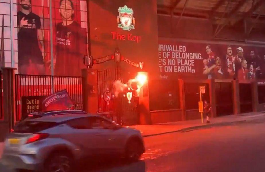 VIDEO | Bucuria câştigării titlului a învins pandemia. Fanii lui Liverpool au sărbătorit lângă Anfield!