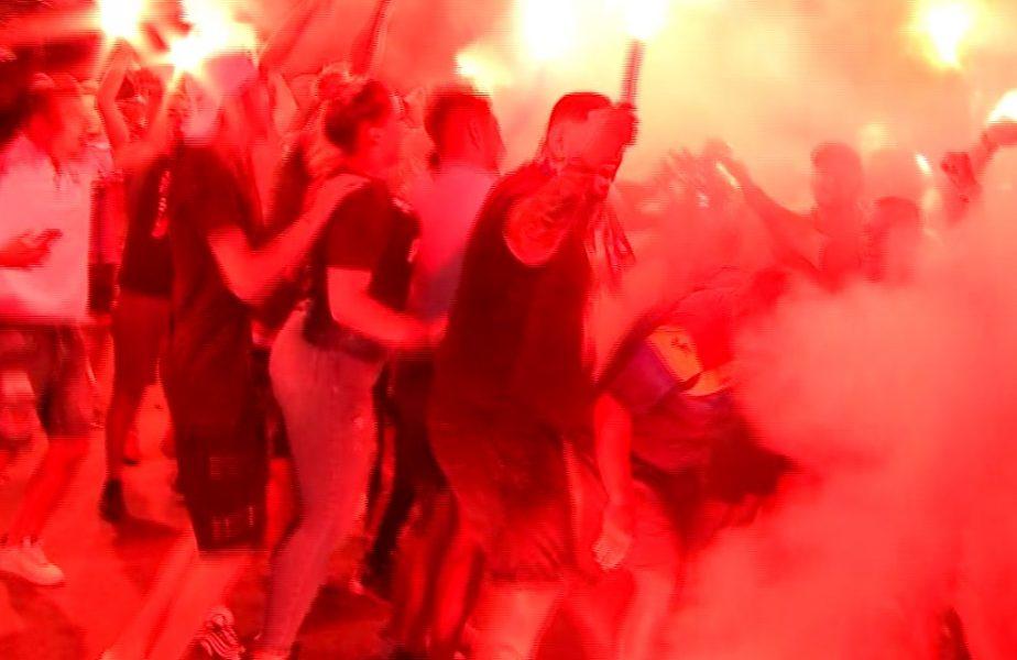 Distanţarea socială a fost călcată în picioare şi scandări xenofobe la întâlnirea jucătorilor de la FCSB cu fanii la baza din Berceni