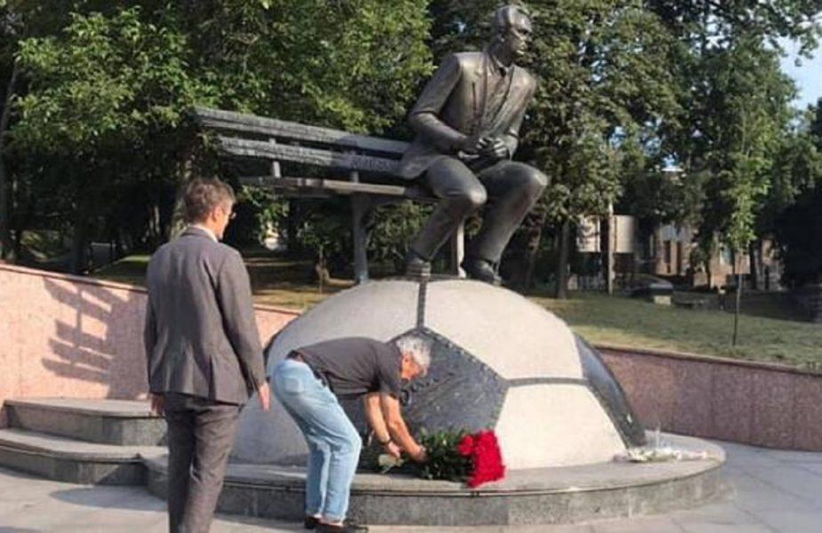 UPDATE | Primul lucru făcut de Mircea Lucescu la sosirea în Ucraina. Cum a încercat să facă pace cu fanii lui Dinamo Kiev. Reacţia ultraşilor