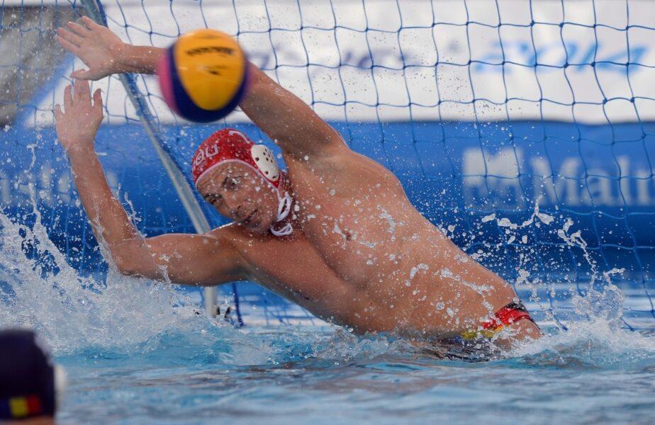Cei mai buni jucători de polo ai României au băgat vârsta la apa şi s-au întors în bazin. Detalii la ştirile AntenaSport, de la ora 19.55