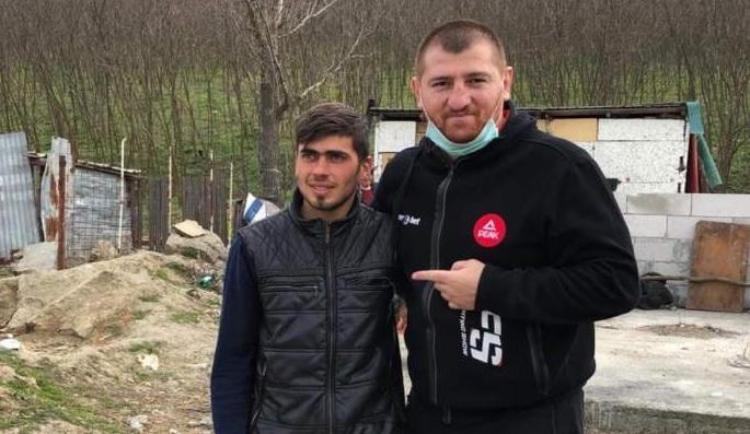 """Ce s-a ales de Sergiu """"Călăreţul"""", cel căruia Moroşanu îi făcea cadou o casă. Are dosar penal. """"Am văzut două maşini de poliţie la el în curte"""""""