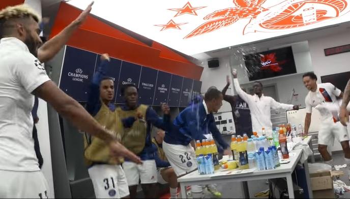 VIDEO | Ne-bu-ni-e! Neymar şi compania au declanşat fiesta-n vestiar! Reacţia starului brazilian după partidă
