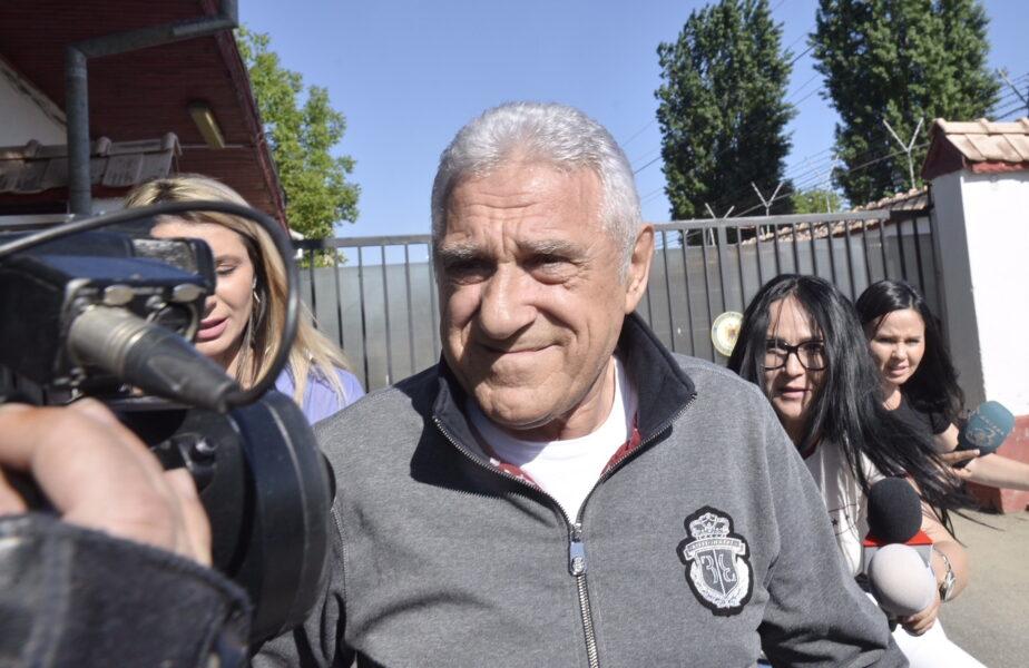 """Ioan Becali a fost arestat în Columbia, după o bătaie cruntă pe aeroport: """"Nevastă-mea țipa cu aia mică!"""" Ce condiţii grele erau în închisoare"""