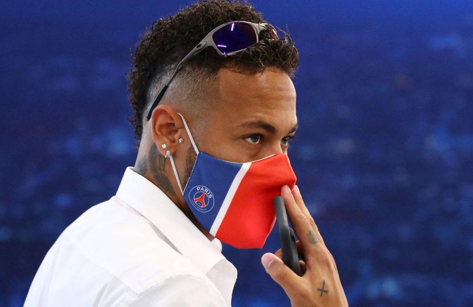 Neymar, mereu în stil brazilian! A adus muzica la finala Champions League şi a dansat după ce s-a dat jos din autocar