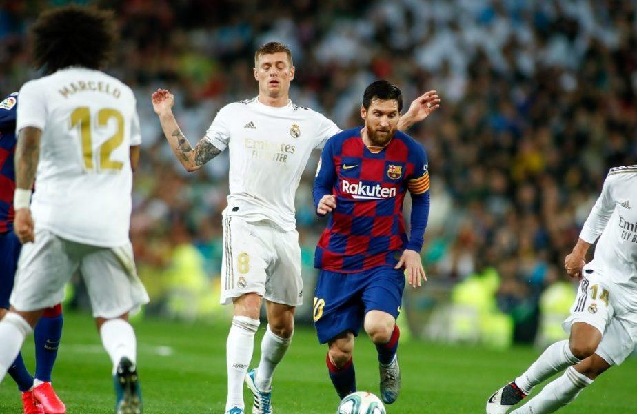 Leo Messi în timpul unui meci cu Real Madrid
