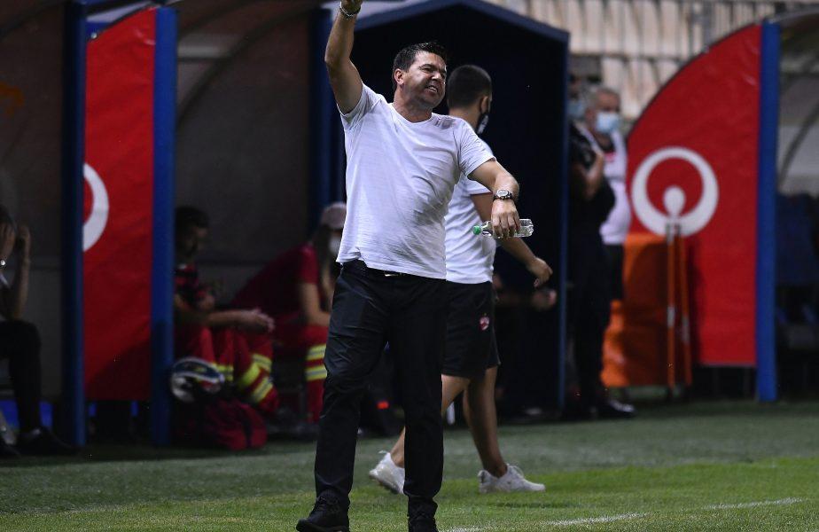 OFICIAL! Încă un spaniol a semnat cu Dinamo. Curăţenia continuă la club. Contra a renunţat la un atacant
