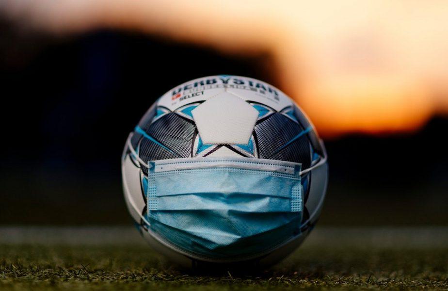 Poate fi ştirea anului! O echipă a pierdut cu 0-37 după ce s-a zvonit că un jucător advers are coronavirus. S-a păstrat distanţarea socială