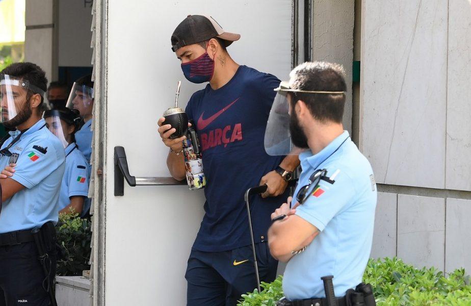 Luis Suarez a comis-o şi poate avea de suferit. Parchetul din Perugia îl anchetează că a trişat la testul de italiană