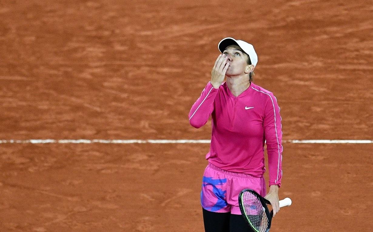 La mulţi ani cu record, Simona Halep! Performanţă istorică în primul tur de la Roland Garros