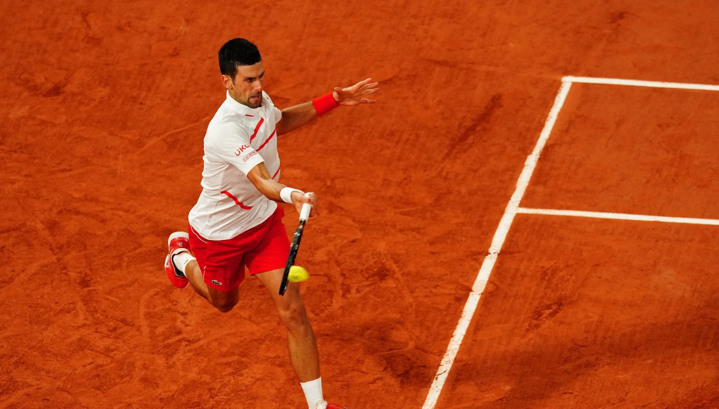 Novak Djokovic, moment încins cu un fan al lui Roger Federer. I-a trimis un pupic după un punct decisiv