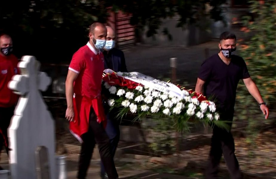 """FOTO   Discursul lui Contra lângă mormântul lui Cătălin Hîldan, la 20 de ani de la moartea """"unicului căpitan"""""""
