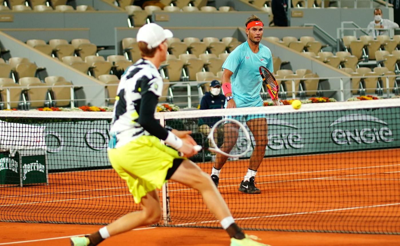 Rafael Nadal e uriaş şi la 10 grade Celsius. A terminat meciul cu Sinner la 01:30 noaptea, în condiţii rar întâlnite