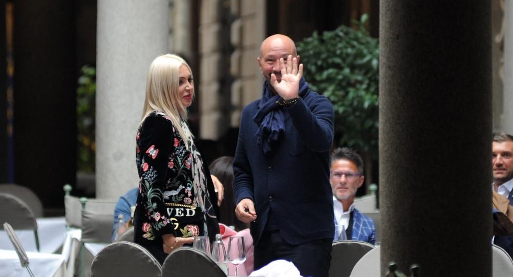 Walter Zenga are o nouă iubită româncă, cu 30 de ani mai tânără, după ce a divorțat de Raluca. Femeia este de o frumusețe răpitoare