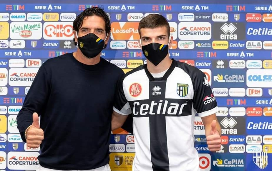 """Primele cuvinte ale lui Valentin Mihăilă după super-transferul la Parma. Ce mesaj emoționant a primit fosta """"perlă"""" a Craiovei"""