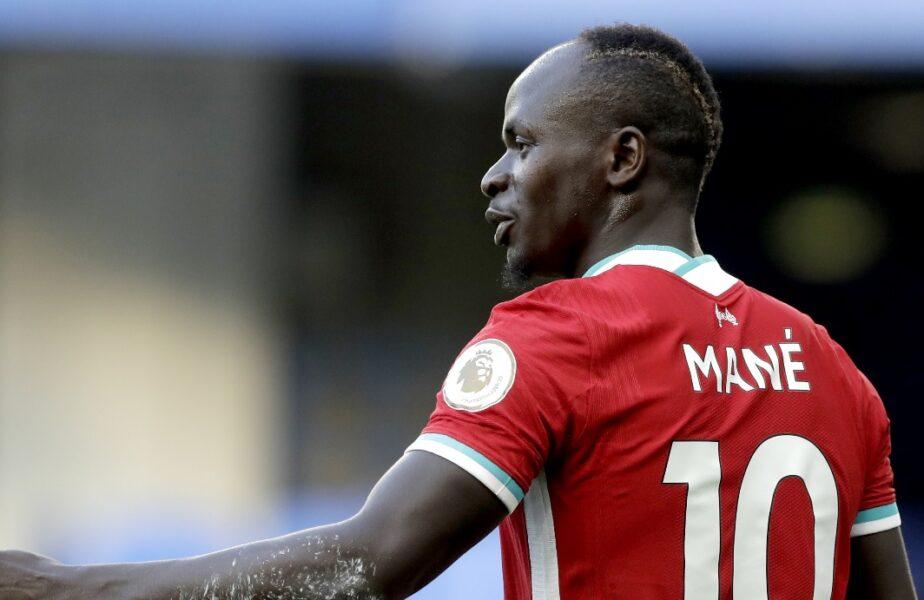Sadio Mane şochează din nou. Fotbalistul plătit cu 8.6 milioane de euro pe an spală băile moscheelor