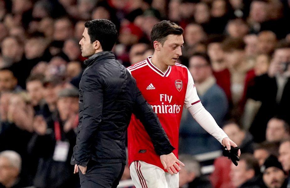 """""""Modul în care te tratează, o rușine!"""" Mesut Ozil, apărat de fani după ce nu a fost inclus pe lista de Premier League a lui Arsenal. Ce a răspuns mijlocașul"""