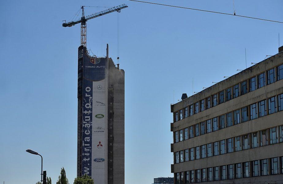 Ion Ţiriac a dărâmat una dintre cele mai înalte clădiri din Bucureşti. Se face loc unui complex rezidenţial de lux, de zeci de milioane de euro