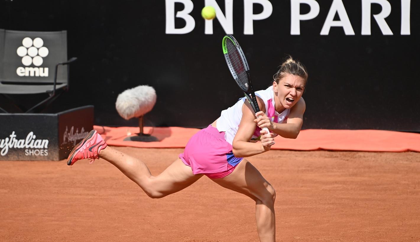 Simona Halep, în timpul meciului cu Garbine Muguruza, de la Roma