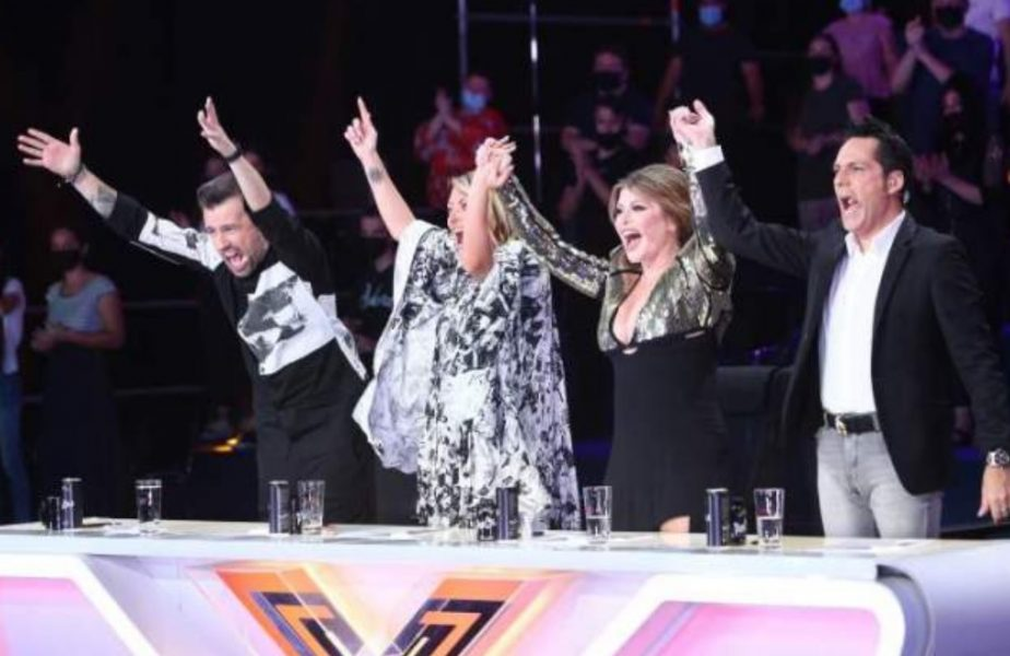 Florin Ristei, Delia, Loredana și Ștefan Bănică în timpul emisiunii X Factor